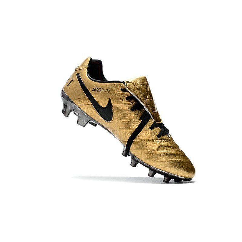 best sneakers f74e9 57279 Nike Tiempo Totti X Roma Limited Edition Boots Gold Black